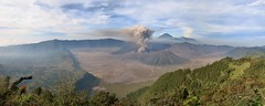 IMG_4032s (JoStof) Tags: indonesia java bromo volcano eruption ash smoke seaofsand semeru crater tengger caldera batok jawatimur indonesië idn