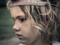 Girl_1 (Büdlmacher) Tags: portrait grillen mädchen girl nice hübsch träumen dream