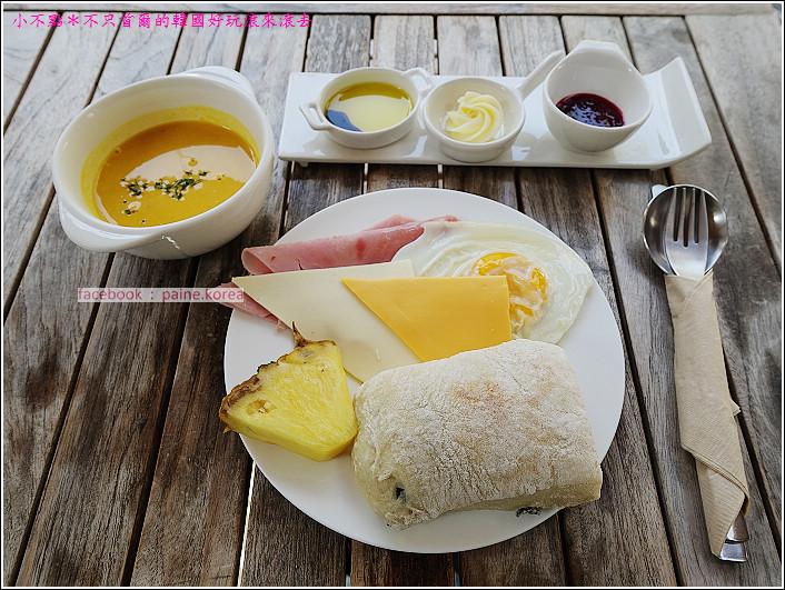 弘大 the famous lamb 早午餐buffet (9).JPG