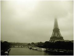 Paris - Eiffel Tower in the clouds (na_photographs) Tags: paris cloud wolken fog nebel eiffelturm travel landmark sightseeing