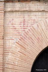 Iglesia de San Bartolomé (Siglo XVI) (Landahlauts) Tags: alandalus albayyāzīn albayyīzīn albaicin albayzin aljibe andalusiya catolicismo church cristianismo edadmoderna franciscohernandezdemostoles fujifilmfujinonxc50230mmf4567ois fujifilmxa2 granada granadaislamica granadamusulmana iglesiadesanbartolome juanalonso lopearias mezquitaalburriyani mudejar renacimiento renacimientomudejar sigloxvi templo templocatolico nfνδαλουσία andalousie arquitecturareligiosa religion iglesia faith endülüs reinoziri quarter patrimoniodelahumanidad endulus district barrio andaluzja andaluzio andalusien andalusia andalusie andaluzia andalucia andalusië andalouzia artereligioso