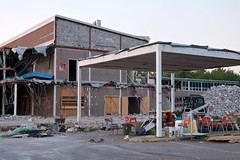 sir james dunn demolition (twurdemann) Tags: architecture building demolition entrance exploration fujixt1 highschool ontario portecochère requiem saultstemarie sirjamesdunn toad trespass violence xf1855mm
