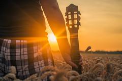 irgendwann, irgendwo (_AlexAce_) Tags: landscape sun sunset weizenfeld sonne sonnenuntergang gitarre