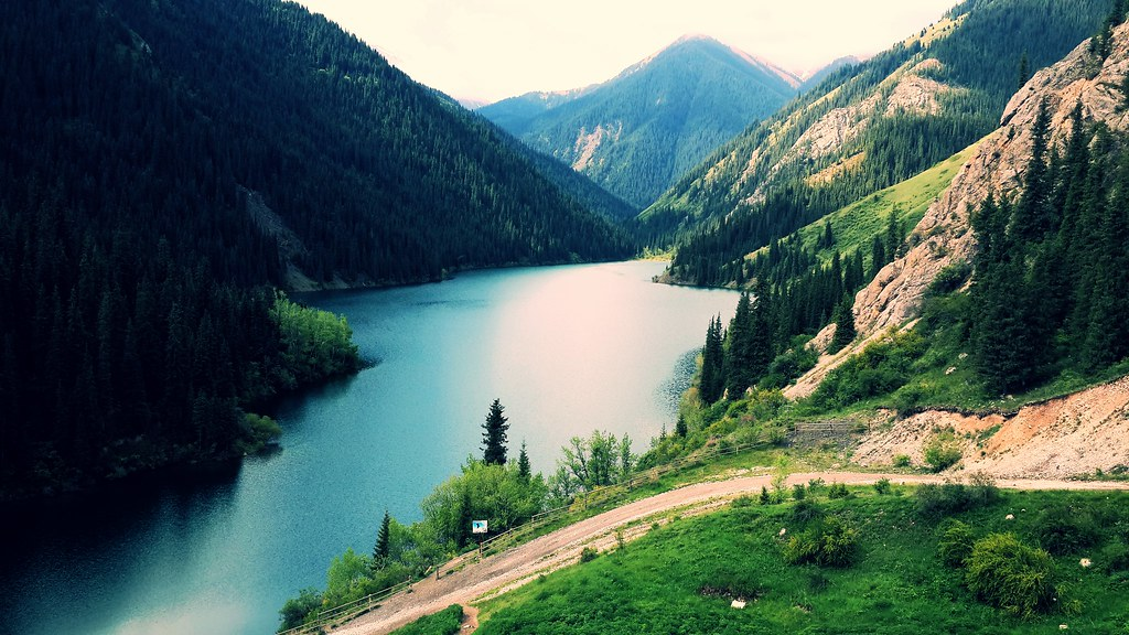 фото: Kolsay Lake