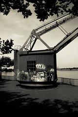 Rijn kraan (v_rijswijk) Tags: urban abandoned industrial urbanart urbano dusseldorf urbanphotography urbex urbanstreets urbanwalls
