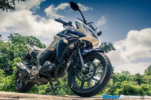 2015-Yamaha-Fazer-V2-7