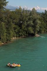 Eiger - Mönch - Jungfrau mit Gummiboot - Schlauchboot auf der Aare ( Fluss - River ) zwischen der B.rücke bei J.aberg und der S.chützenfahrbrügg bei M.ünsingen im Kanton Bern der Schweiz (chrchr_75) Tags: chriguhurnibluemailch christoph hurni schweiz suisse switzerland svizzera suissa swiss chrchr chrchr75 chrigu chriguhurni kantonbern hurni150710 albumaare albumaarethunbern aare fluss river juli 2015 juli2015 albumzzz201507juli schlauchboot gummiboot böötle gummiboote schlauchboote boot jolle dinghy boat jolla canot ディンギー sloep bote albumschlauchbootegummibooteunterwegsinderschweiz mönch kantonwallis kantonvalais berg mountain montagne alpen alps albumjungfrau jungfrau viertausender montagna berner oberland albumdreigestirneigermönchjungfrau dreigestirn eiger