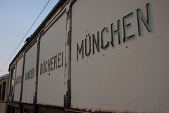 Rückkehr der Wanderbücherei III (Mr G Spot) Tags: museum munich münchen tram 24 streetcar tramway bücherei mvg trambahn fmtm wanderbücherei strasenbahn mvgmuseum wb13 wb16 freundedesmünchnertrambahnmuseums