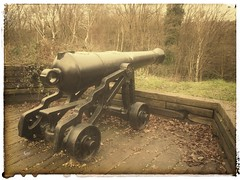 Old Canon, Redan Hill, Aldershot (naebc28) Tags: militaryhistory military snapseed redoubt aldershot canon redlans