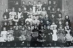 Dreaming of a better childhood... (ustrassmann) Tags: düsseldorf museumkunstpalast kunstpalast kunstausstellung diegrosse fotografie schulklasse träumen mädchenklasse timoklos 1895