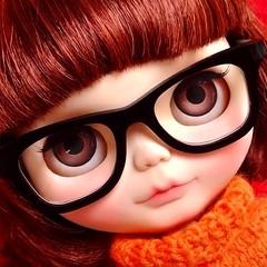 Velma Dinkley (custom by Fabi Alves) #ブライス #blythe #velma #scoobydoo #nerd #toyart #cravero #fab_toys @fab_toys