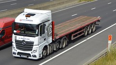 NK14 CGG (panmanstan) Tags: truck wagon mercedes motorway yorkshire transport lorry commercial vehicle freight sandholme mp4 flatbed m62 haulage hgv actros