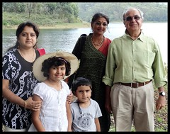 Munnar : Kundala Lake (indianature13) Tags: india mountain lake nature tea kerala april westernghats munnar 2015 topstation kundalalake madupettylake indianature sholaforest highranges