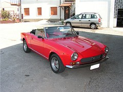 "fiat_124_spider_10 • <a style=""font-size:0.8em;"" href=""http://www.flickr.com/photos/143934115@N07/31124563413/"" target=""_blank"">View on Flickr</a>"