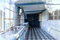 Blue Kitchen (Pieter Musterd) Tags: keuken kitchen onbewoond abandoned blauw blue denhaag pietermusterd musterd canon pmusterdziggonl nederland holland nl canon5dmarkii canon5d 'sgravenhage thehague zuidholland paysbas thenetherlands niederlande haagspraak