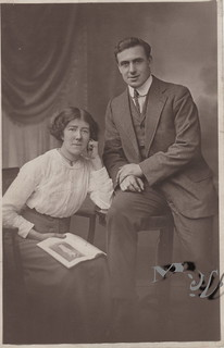 c1920-25. Unknown Couple