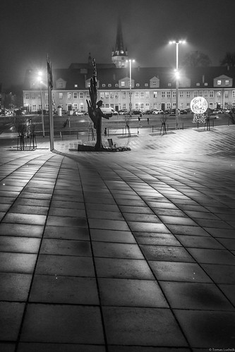 Stettin, Solidarity Square, December night.