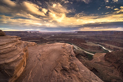 Dead Horse Point - Sunset (Fabio Tode ) Tags: dead horse point utah america usa national park state deadhorse holiday like likeforlike sunset light shadows lights gold rocks canyon colorado river coloradoriver colors colored sky wonderful amazing nikon d7200 sigma 1020 reflections travel