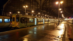 Southern 455815 & 5828 / Brighton (Sammy4044) Tags: southern rail railway class 455 815 826 london victoria brighton station service 2017 2013 rare additional strike