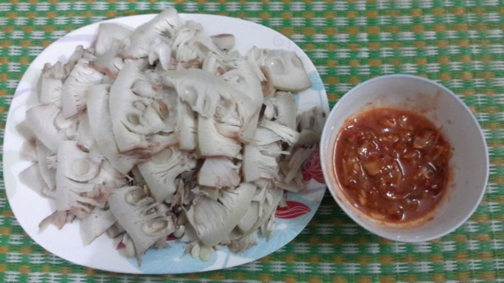 4Mít luộc mắm nêm Quảng Trị