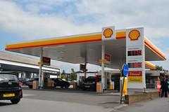 Shell, Longridge Lancashire. (EYBusman) Tags: station town long garage centre shell lancashire gas ridge booths service petrol bp filling eybusman