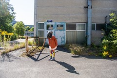 There´s a world… PuNkRaTtE (Markus Wintersberger) Tags: andreanagl markuswintersberger nagl~wintersberger kunstratte punkratte berlinertragikomödie berlinbiennale kunstimöffentlichenraum intervention performance maske ratte lesfleursdumal gerharthauptmann maus waltdisney there´saworldi´mtryingtorememberforafeelingi´mabouttohave mickymouse ernstthälmann krankenhausbuch