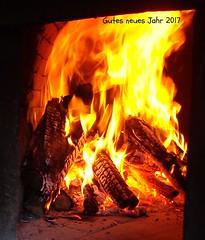 (S.Hence :-) Germany) Tags: liebe love silvester 2016 2017 feuer fire heis hot holzofen pizzaofen pizza backen grüse greets hugs wünsche frieden peace feiern party feuerwerk mitternacht neujahr glut flammen ohnefilter nofilter