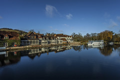 The Swan @ Streatley (THE NUTTY PHOTOGRAPHER) Tags: thames river hotel