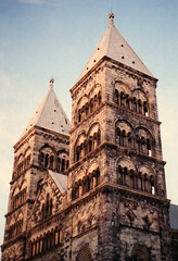 Cathedral in Lund (anna-lenaR) Tags: lund cathedral sunny film kodakgold200