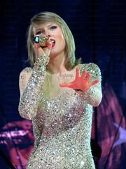 Taylor Swift - 1989 Tour (MyiPop.net) Tags: world show amsterdam tour live dome taylor swift 1989 ziggo