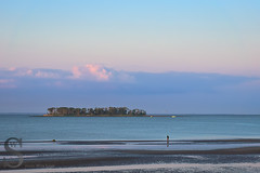 Charles Island this morning (Singing With Light) Tags: moon sunrise photography spring downtown sony july ct milford 3rd 2015 mirrorless lismanlanding singingwithlight singingwithlightphotography forttrumbullbeach alpha6000 sunsetctkitlens skitlenssonya6000