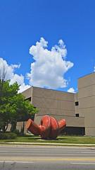 Aporia, Frederick Street courthouse, Kitchener (kian1) Tags: street sculpture ontario canada kitchener waterloo frederickstreet aporia edzelenak