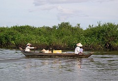 Tonle Sap Cambodia (jcbkk1956) Tags: lake green water boat nikon women cambodia cambodian khmer canoe siemreap tonlesap worldtrekker