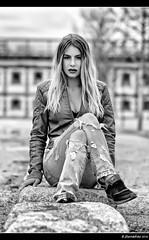 Silvia - 5/5 (Pogdorica) Tags: modelo sesion retrato posado silvia matadero chupa cuero chica sexy
