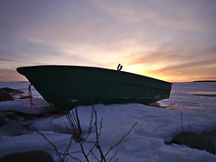 Soutuvene (pikkuanna) Tags: oulu 2017 meri sea ranta shore lumi snow vene boat