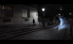 Paris n°106 - Wandering Through The Streets Of Paris (Nico Geerlings) Tags: paris parijs france cinematic cinematography montmartre night nightphotography streetphotography ngimages nicogeerlings nicogeerlingsphotography fujifilmxt2 xf14mm fujinon ruedelabreuvoir