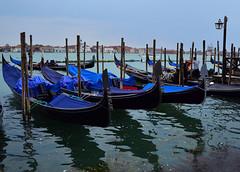 Venecia (Mónica Molinari) Tags: blue venice sky italy water azul boat italian agua europa europe italia cielo gondola venecia venezia gondolero venessia
