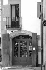 Folgueroles - Mayo '15 (David Muñoz P.) Tags: blancoynegro casa puerta nikon catalunya balcon fachada folgueroles davidmuñoz tamrom ligthroom d5100