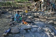donna etiope, Ethiopian woman (paolo.gislimberti) Tags: ethiopia etiopia persons persone gente people popolierazze peoplesandraces usiecostumi usagesandcustoms poverty povertà cucina cucinare cooking