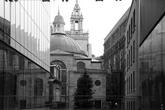 St. Stephen's Walbrook Church seen from the court of N M Rothschild & Sons (Canadian Pacific) Tags: england unitedkingdom great britain english british uk cityof london thesquaremile ststephen walbrook church ststephens 39 ec4 bw white photo image building architecture aimg1042 onexplore