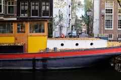 Boathouse (Emiel Dekker) Tags: iridient fujifilm x100t boathouse woonboot amsterdam canals gracht grachtengordel netherlands nederland boat boot schip ship