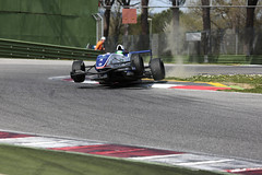 _IM16417 (Foto Massimo Lazzari) Tags: pista corsa circuito gara incidente imola pilota formularenault revisione acqueminerali reanault sbandata ruotescoperte