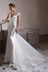 tarik-ediz-bridal-2015-kalsedon-cap-sleeve-wedding-dress_003 by frankenhof -