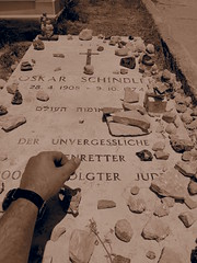 Putting on a stone on Oscar Schindlers grave!