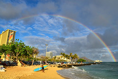 Waikiki Beach, Oahu, HI (D-A-O) Tags: ocean sea sky beach hawaii hotel rainbow mural pacific waikiki oahu honolulu hiltonhawaiianvillage rainbowtower millardsheets nikond750