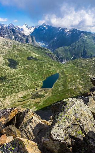 Jezero Vordersee, v pozadí Fieschergletscher, Oberaarhorn (3630 m)