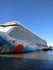 IMG_20161113_101952 (@jonchius) Tags: 2016 norwegianbreakaway ncl cruise ships
