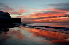 Asilah (Erre Taele) Tags: assilah marruecos moroco moroko atardecer ocaso rojo red sunrise beach fortaleza medina sea mar itsasoa hondartza gorria ilunabarra marruekos