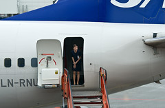 SAS flight attendant (Osdu) Tags: girl airplane stockholm aircraft aviation aeroplane aviao sas essa stewardess flugzeug avin aereo spotting avion avia flightattendant arlanda vliegtuig flygplan scandinavianairlines arn planespotting   stewardes aeroplano lentokone samolot uak flugvl   arlandaairport luftfahrzeug lennuk  htessedelair   letoun fastvingefly aroplanum sasflightattendant