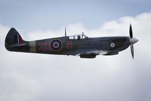"Flying Legends 2015 • <a style=""font-size:0.8em;"" href=""http://www.flickr.com/photos/25409380@N06/19624388858/"" target=""_blank"">View on Flickr</a>"